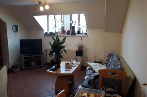 Kuschelige Wohnung mit Einbauküche