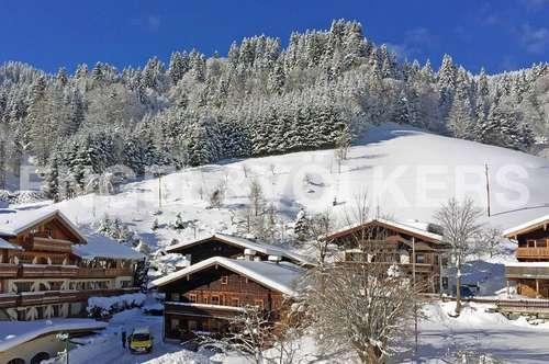 W-029A58 Zu Fuß zum Lift ins Ski- und Wandergebiet Hochkönig