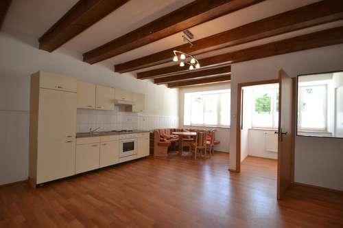 Wunderschöne, total ruhige 2-Zimmer-Wohnung am Marktplatz mit sehr guter Infrastruktur!