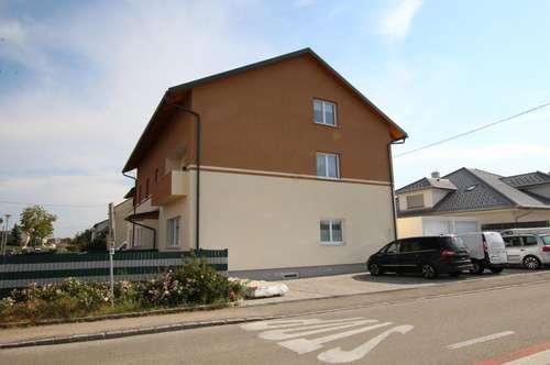 3 Zimmer Dachgeschoßwohnung mit Küche und Garten