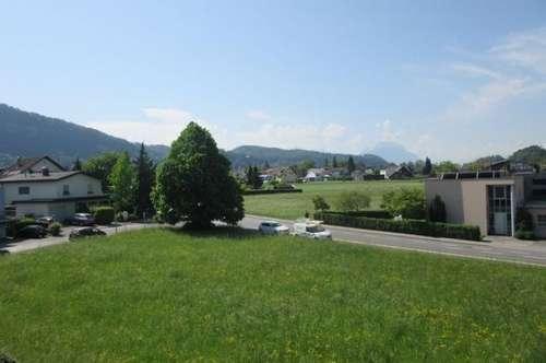Große 4 Zimmer Wohnung mit schönem Ausblick im obersten Geschoss in Götzis mit 3 Tiefgaragenplätze!
