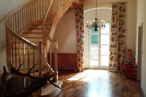 Deutschlandsberg: Großzügige Schlosswohnung mit besonderem Ambiente