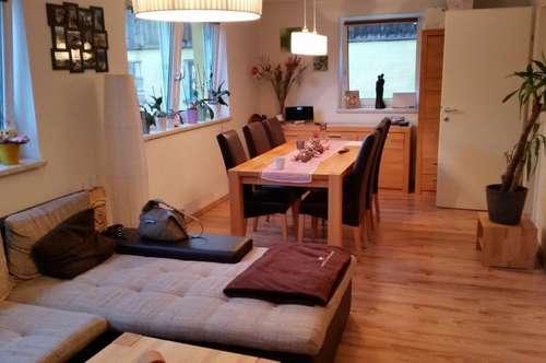 Neuwertige 2 Zimmer Wohnung