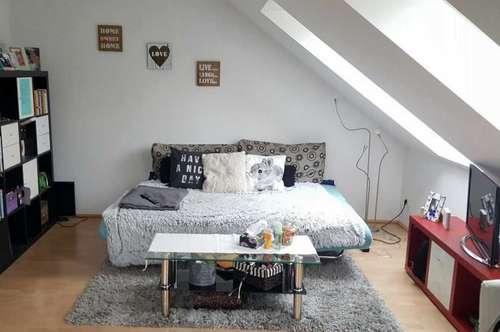 Traun: Schöne 49 m² DG-Wohnung in ruhiger Sackgasse!