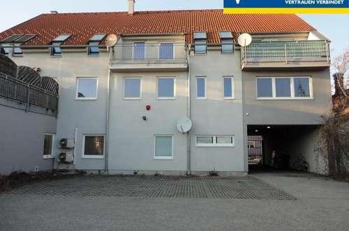 Dachgeschoß-Wohnung in Zentrumsnähe mit PKW Abstellplatz