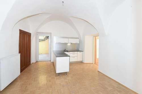 Attraktive Altbauwohnung in zentraler Lage - 3 Zimmer