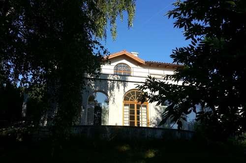 Exklusive Villa in Bad Sauerbrunn im mediterranen Landhausstil auf parkähnlichem Grund in Hanglage