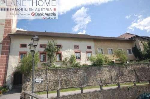 Historisches Stadthaus in Gmünd mit großer Wohn- und Geschäftsfläche