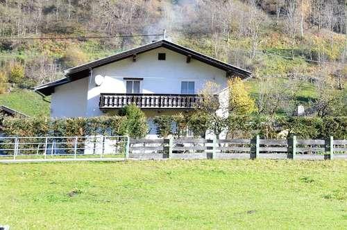 """Großzügiges Einfamilienhaus im Nationalparkgebiet """"Hohe Tauern"""" privat zu verkaufen. Durch die begehrte Lage auch als vermietbares Ferien- oder Wochenendhaus bestens geeignet."""