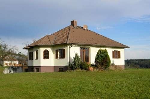 Wohnhaus und Stall - 6.300 m² Grund - beste Aussichtslage