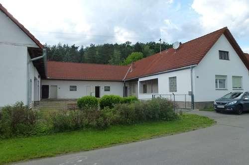 1938 erbauter Dreikanthof