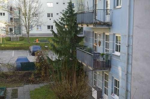 ruhige Wohnung mit Terrasse und Garage