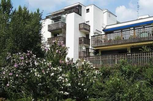 Reizende 2 Zimmer Wohnung mit 2 Balkone, in gepflegter und ruhigen Lage von Lehen