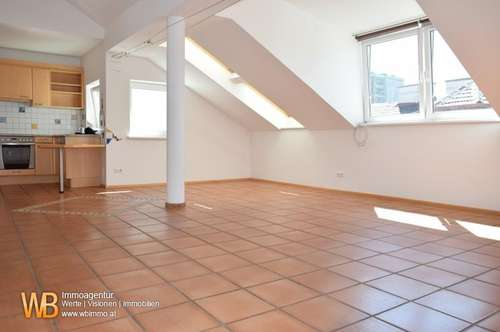 DG Wohnung mit 5 m² Terrasse!