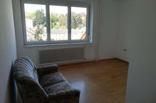 Sonnige Zweizimmerwohnung in Amstetten