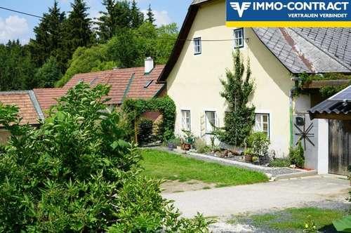 Bauernhof mit Nebengebäude