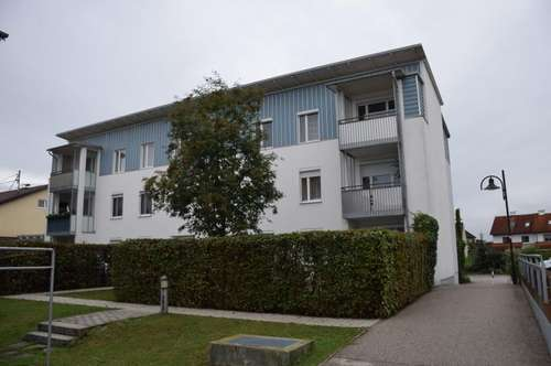 3-4 Zimmer Wohnung im obersten Geschoß, Balkon, TG
