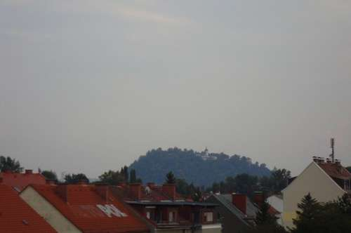 Graz-Nord: komplett saniert - mit Balkon - ab sofort