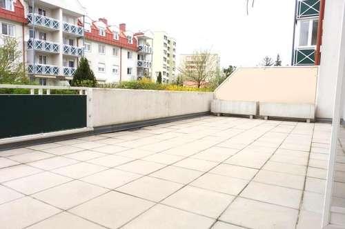 Moderne 3 Zimmer Neubauwohnung mit großer Terrasse! Familientraum