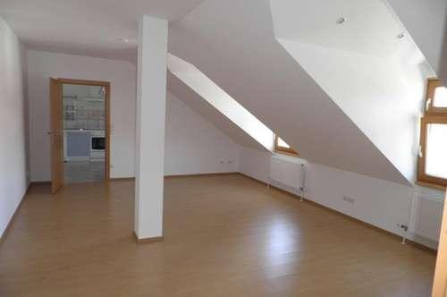85m² Dachgeschoßwohnung-BIT Immobilien