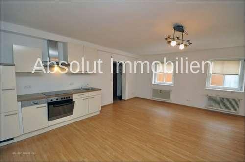 Attraktive Mietwohnung, ca. 65 m² Wfl., große Wohnküche, 1 SZ, Balkon, im Zentrum von Zell am See
