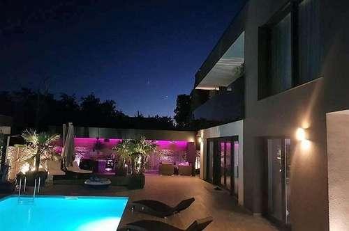 + MEHR ALS NUR WOHNEN +mit Schwimming Pool+ Moderne Villa    + in Leopoldsdorf +++