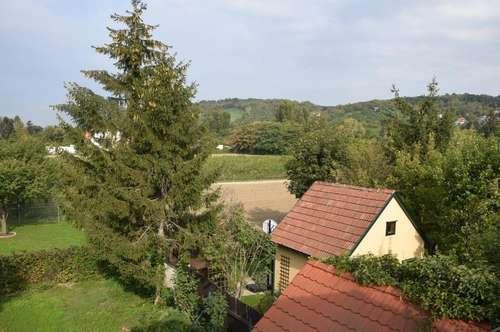 STREBERSDORF: Verträumte kleine Einfamilien-Villa mit Garten