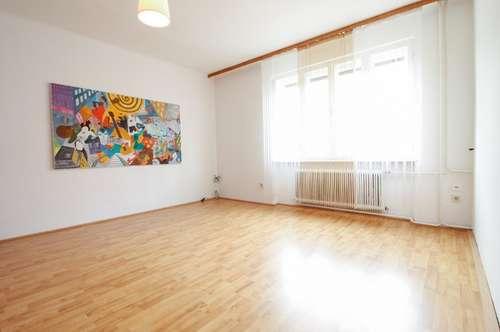 + Großzügige Mietwohnung in bester zentralen Lage, direkt in Oberpullendorf! Terrasse + 7 Zimmer! +