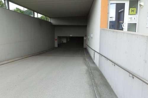 Tiefgaragenplatz für IHR AUTO oder OLDTIMER zu vermieten
