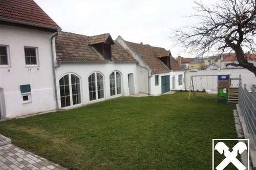 Renoviertes Landhaus mit Innenhof, Gewölbekeller und Garage!