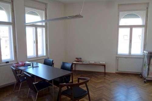 Geräumige Wohnung im Zentrum von St. Leonhard - Leonhardstrasse - kann auch als Büro/Ordination genutzt werden!