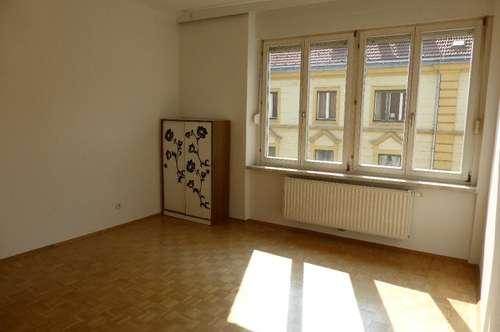 Kaiserfeldgasse - 1,5-Zimmerwohnung im Zentrum zu vermieten!
