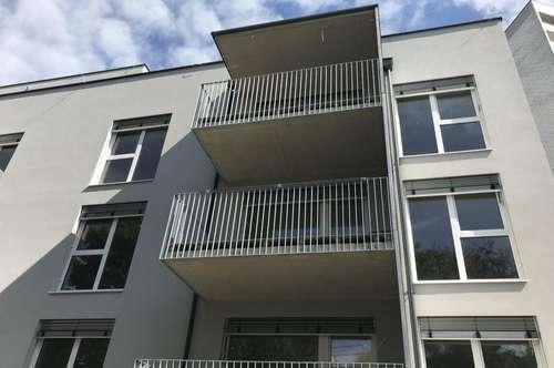 Wunderschöne 3-Zimmer-Wohnung in sehr guter und zentraler Lage mit Balkon - Erstbezug