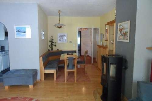 Sonnige Drei-Zimmer-Wohnung mit Loggia!  Koffer packen und einziehen!