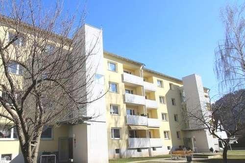 Gepflegte 79m²  Erdgeschosswohnung mit Sonnen-Balkon in familienfreundlicher Ruhelage - provisionsfrei