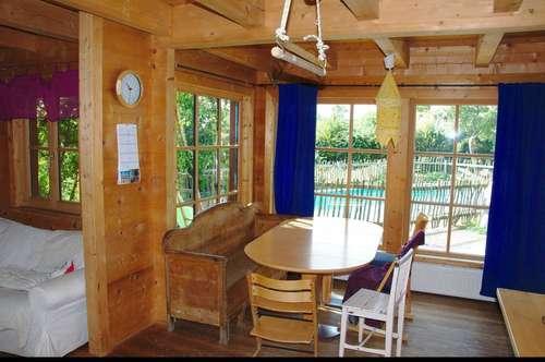 Familienparadies: Einfamilienhaus Holzhaus mit Sauna, Pool, Garten