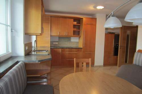 Neuwertige 4 Zimmer Wohnung mit wunderschönen Gebirgsblick