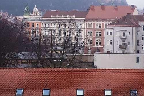 Geräumige 2 Zimmer-Wohnung mit Blick zum Schlossberg