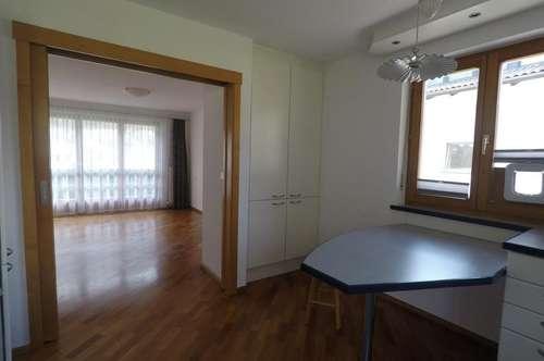 Sonnige Maisonetten-Wohnung mit grossem Balkon in Zams