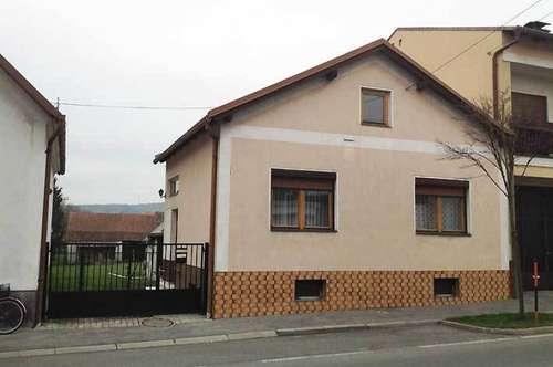 Einfamilienhaus auf großem Grundstück, zwei Zufahrten, Obj. 12344-SZ