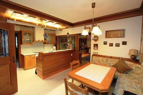 Neuer Preis*** Große nette Wohnung in einem Zweifamilienhaus in schöner Lage ***