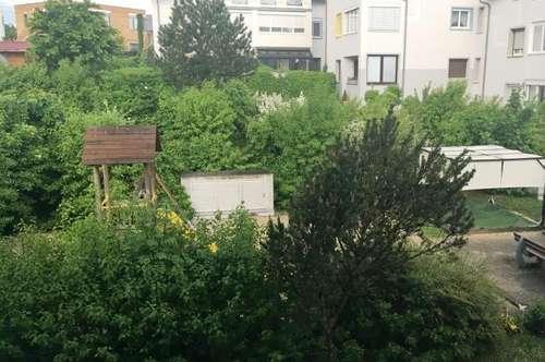 Lichtenberg- 3 ZI, Balkon + Stellplatz