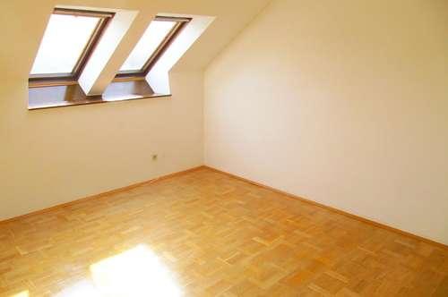 15m2 Zimmer in 6-er WG im Stiftingtal in Traumhaus