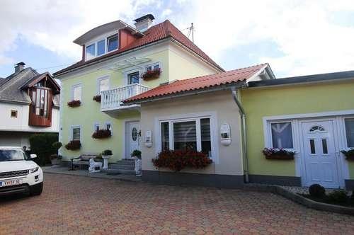 * Wunderschönes Haus mit Einlegerwohnung und ausgebauten Dachgeschoss *