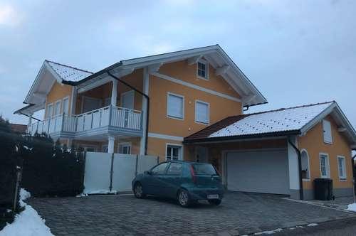 Neuwertige Luxus-Wohnung in Obertrum am See