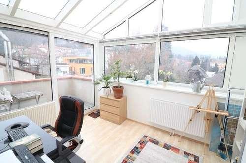 Helle charmante 2 Zimmerwohnung mit Balkon und Loggia