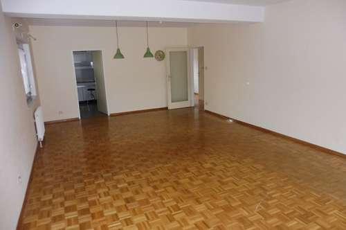 12158 - Nette drei Zimmer Wohnung in Hainfeld!
