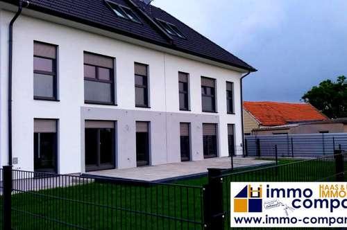 Hochwertig gebaute, sonnige Doppelhaushälfte, voll unterkellert mit rund 145m² Wohnfläche