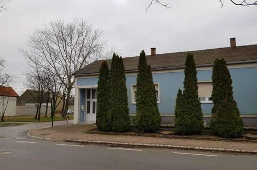 Einfamilienhaus inkl. Halle/Stall zu verkaufen ! Ruhelage ! Nähe St. Martins Therme !