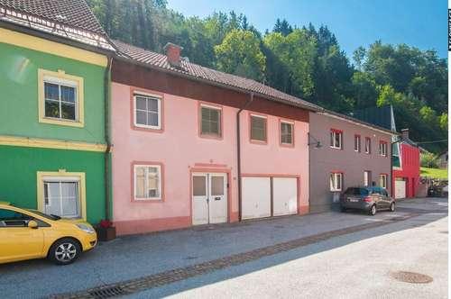 Nette Stadthaus mit Sanierungsbedarf im Ortskern von Eisenkappel